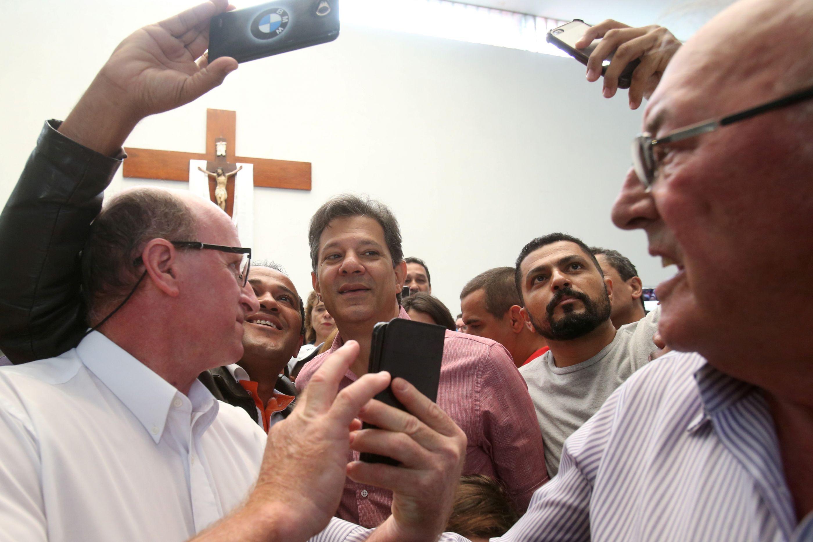 """IURD está com Bolsonaro e fala em """"declarações caluniosas"""" de Haddad"""