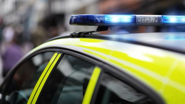 Colisão seguida de capotamento faz um morto na A1, em Anadia