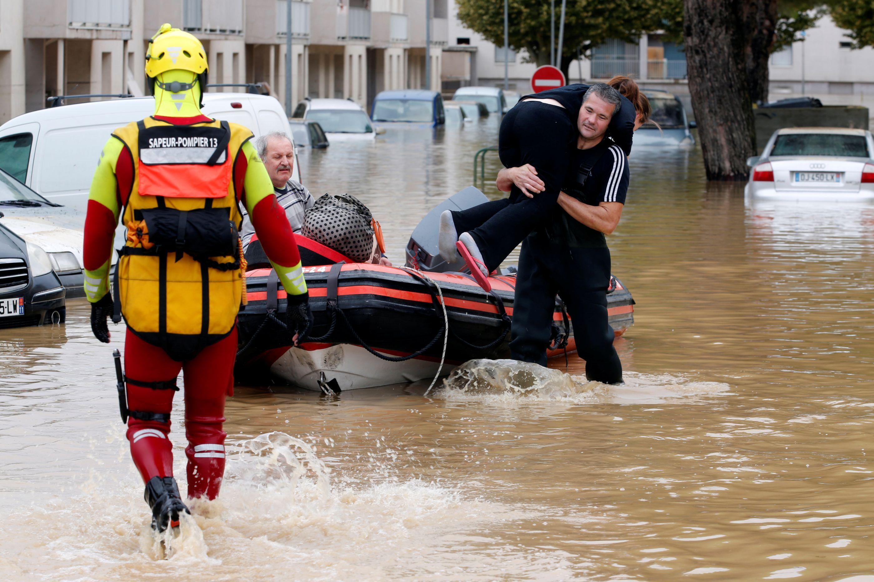 Número de mortos causados pelas chuvas no sudoeste de França sobe para 13