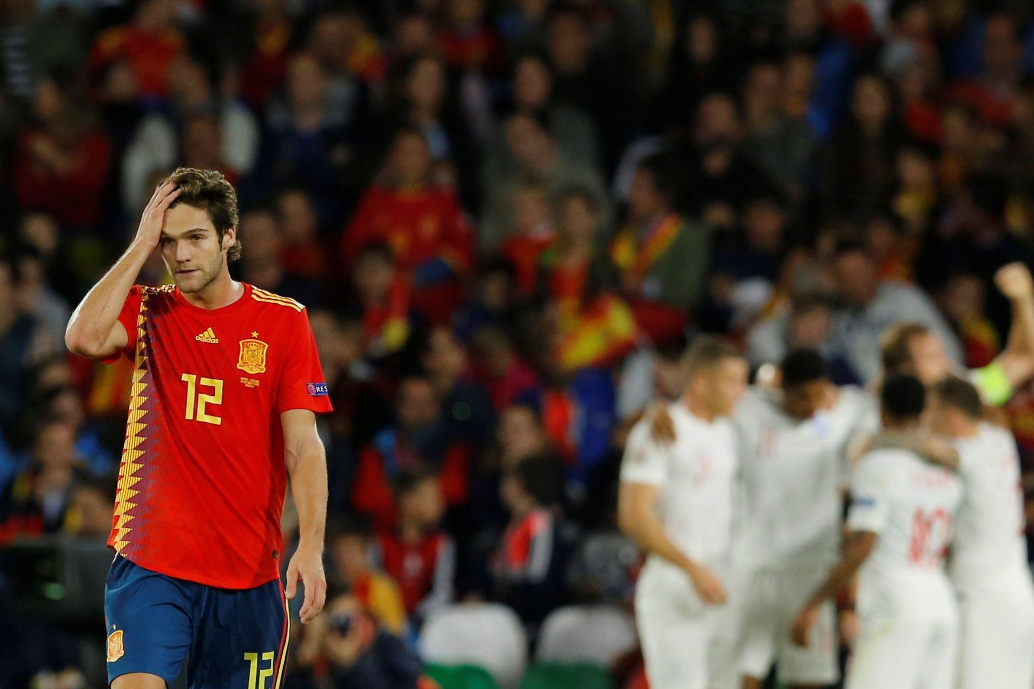 Espanha perde com Inglaterra e coloca em risco qualificação