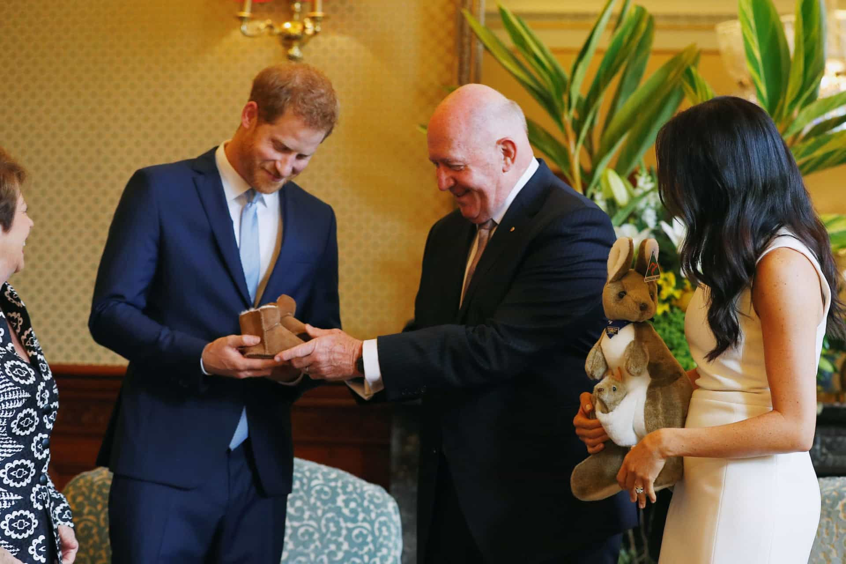 662606a327d Príncipe Harry e Meghan Markle recebem primeiros presentes para o bebé
