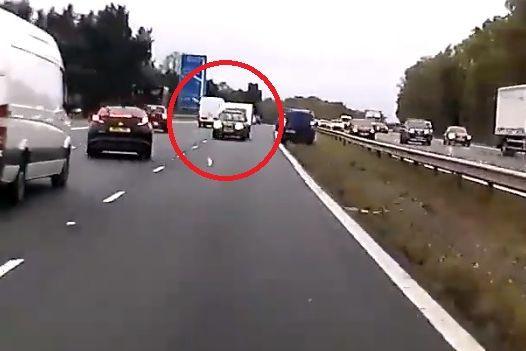 Carro com caravana em contramão na autoestrada faz três vítimas mortais