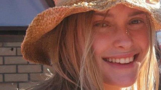 Jovem raptada e morta depois de parar carro para dar boleia a amigo