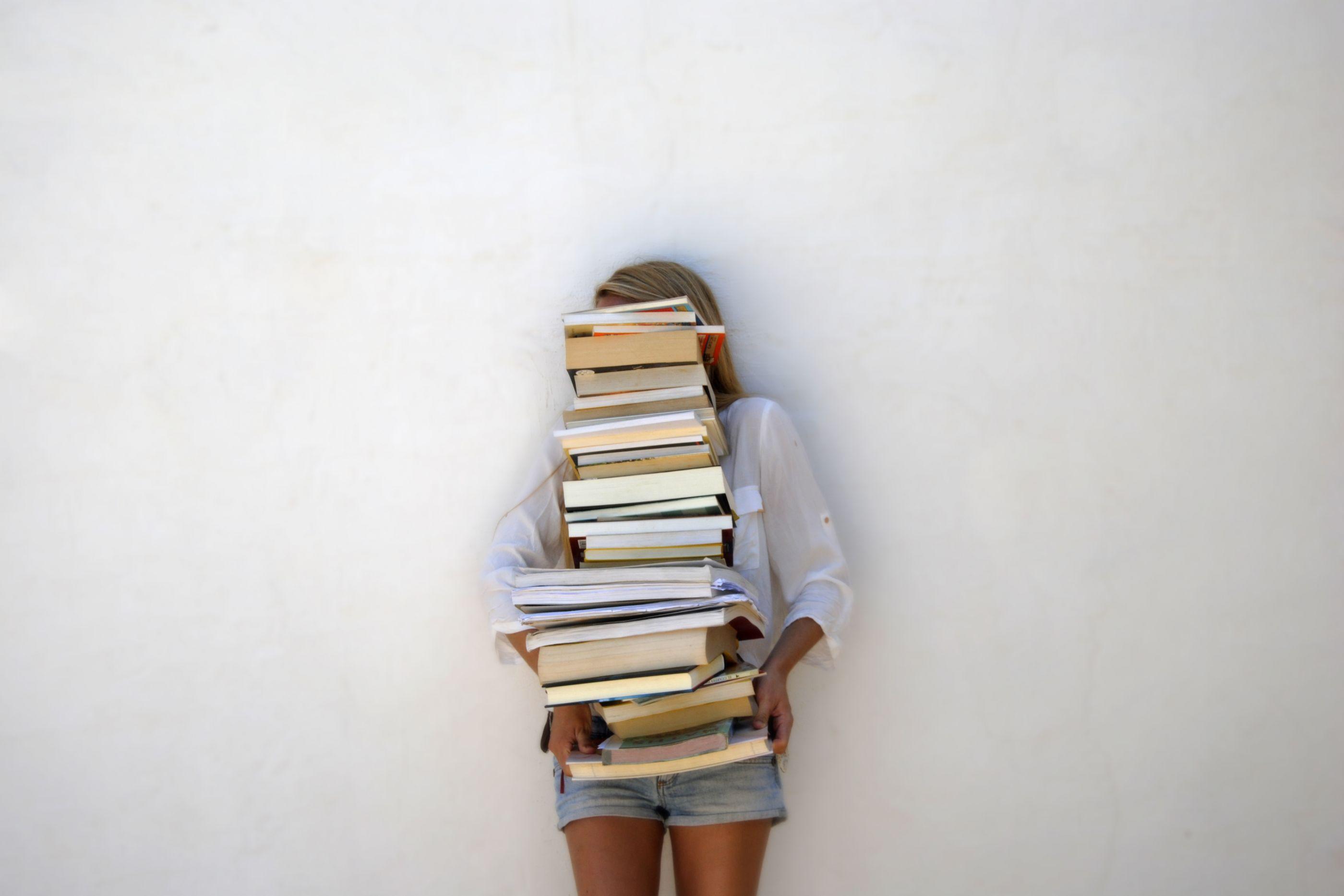 Crescer rodeado de livros faz bem à saúde. A ciência confirma