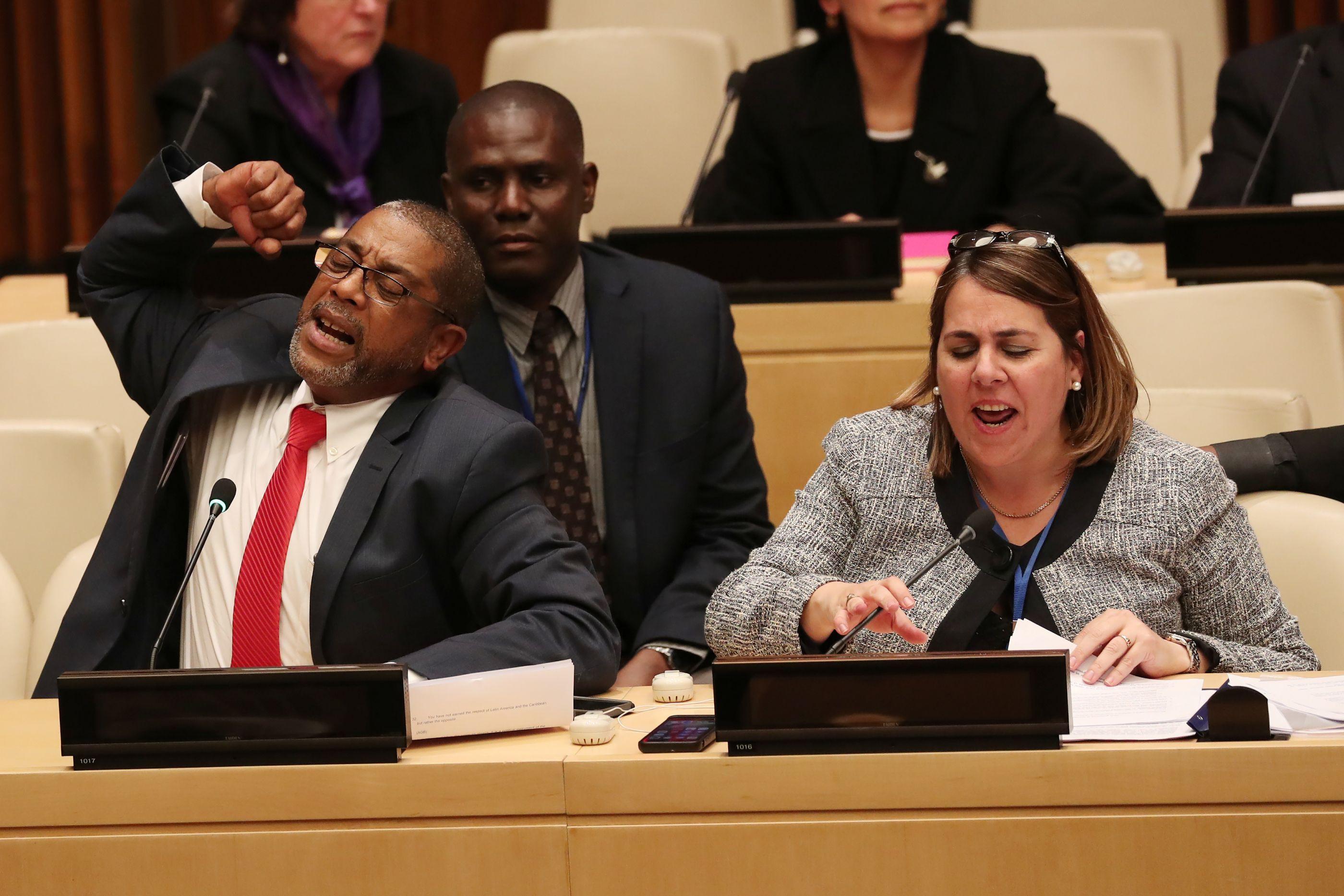 Diplomatas cubanos boicotam com gritos ação dos EUA nas Nações Unidas