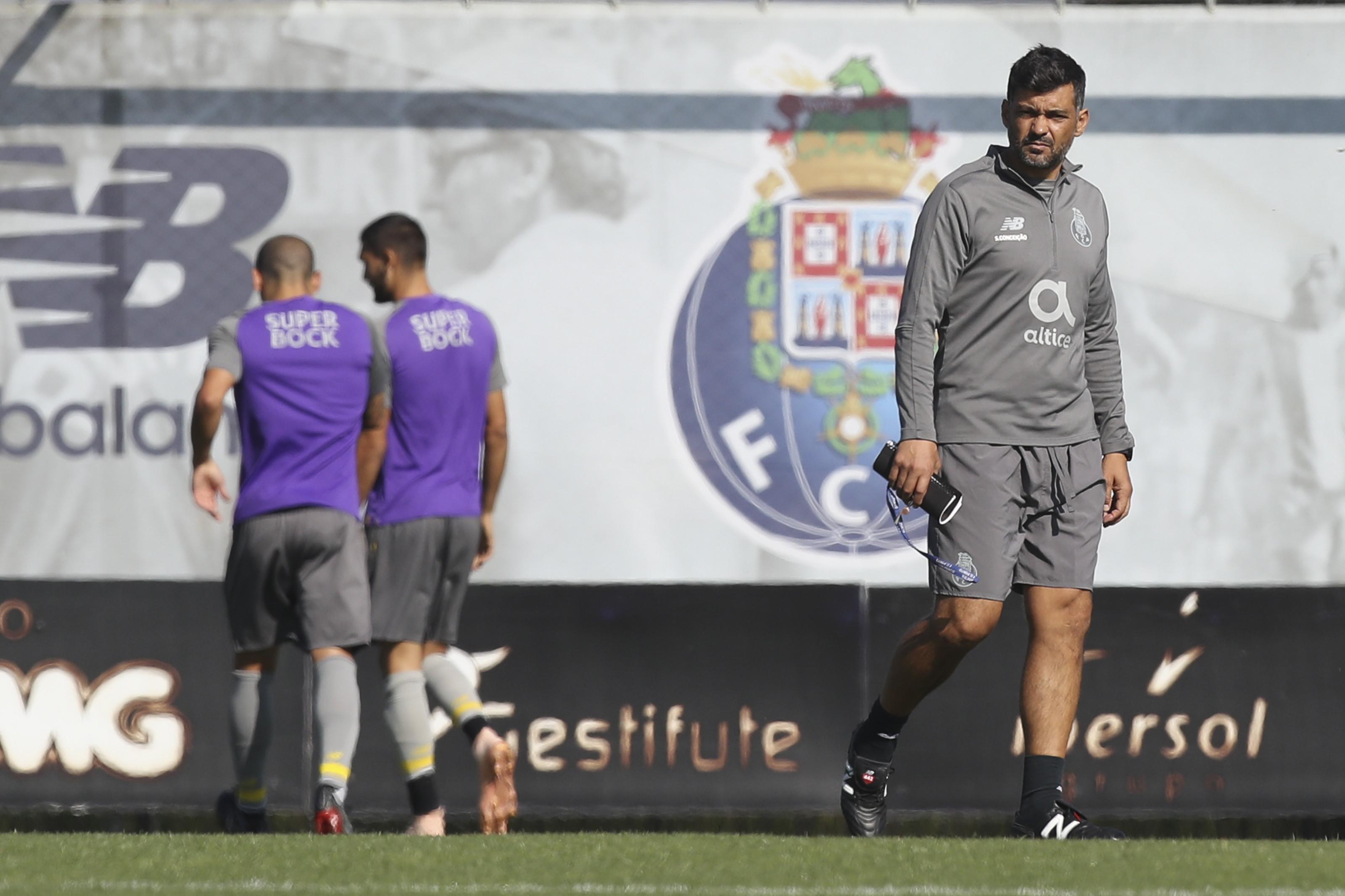 Quatro ausências marcaram o derradeiro ensaio do FC Porto