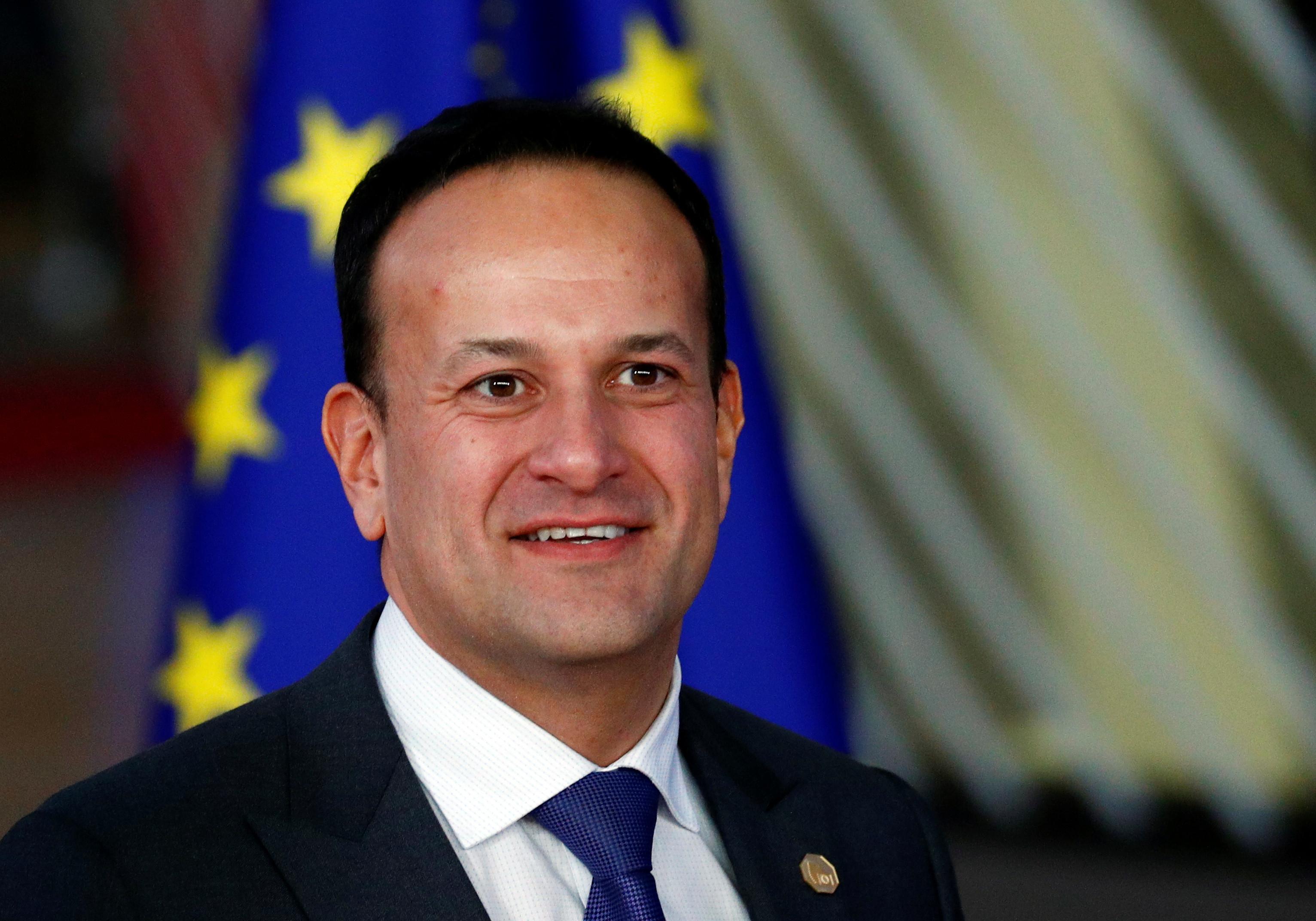 """Primeiro-ministro irlandês quer """"dar uma hipótese"""" a May com adiamento"""