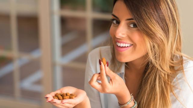 Colesterol elevado. Seis superalimentos que reduzem o risco. Experimente!