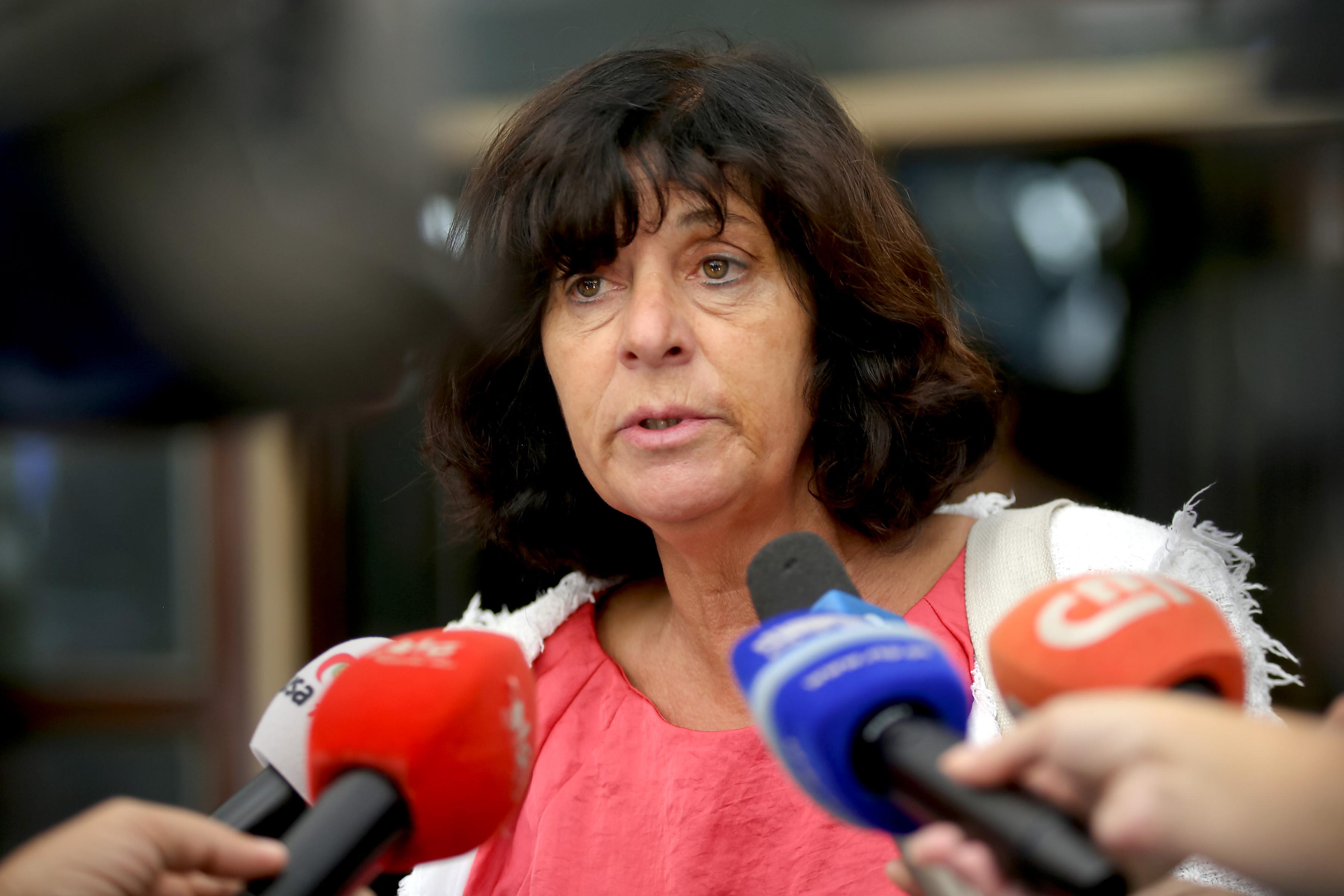 Sindicalistas da Frente Comum entregam ao Governo postais a pedir aumento