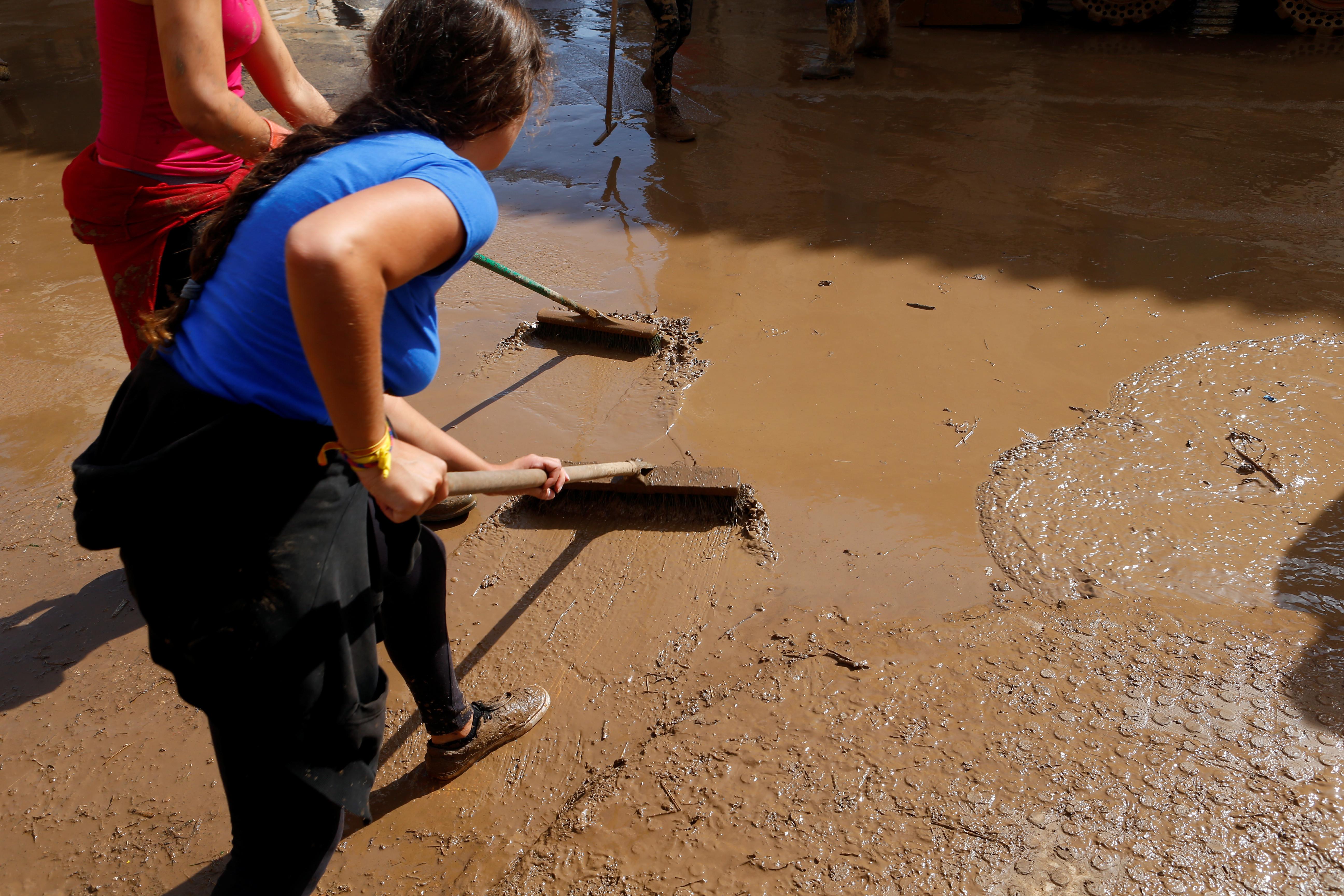 Chuvas e ventos intensos fustigam costa mediterrânica de Espanha