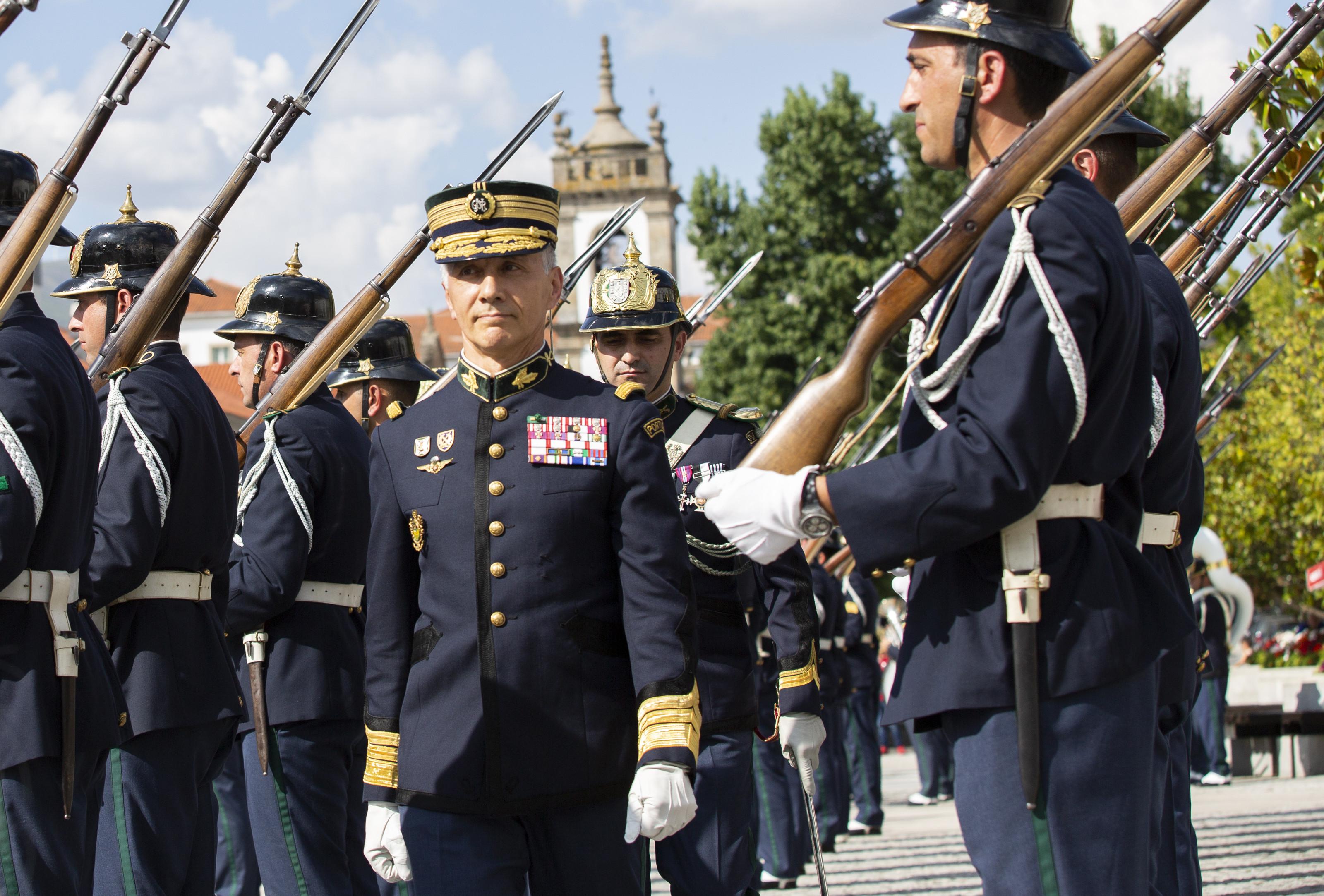Quem é o novo chefe do Exército?