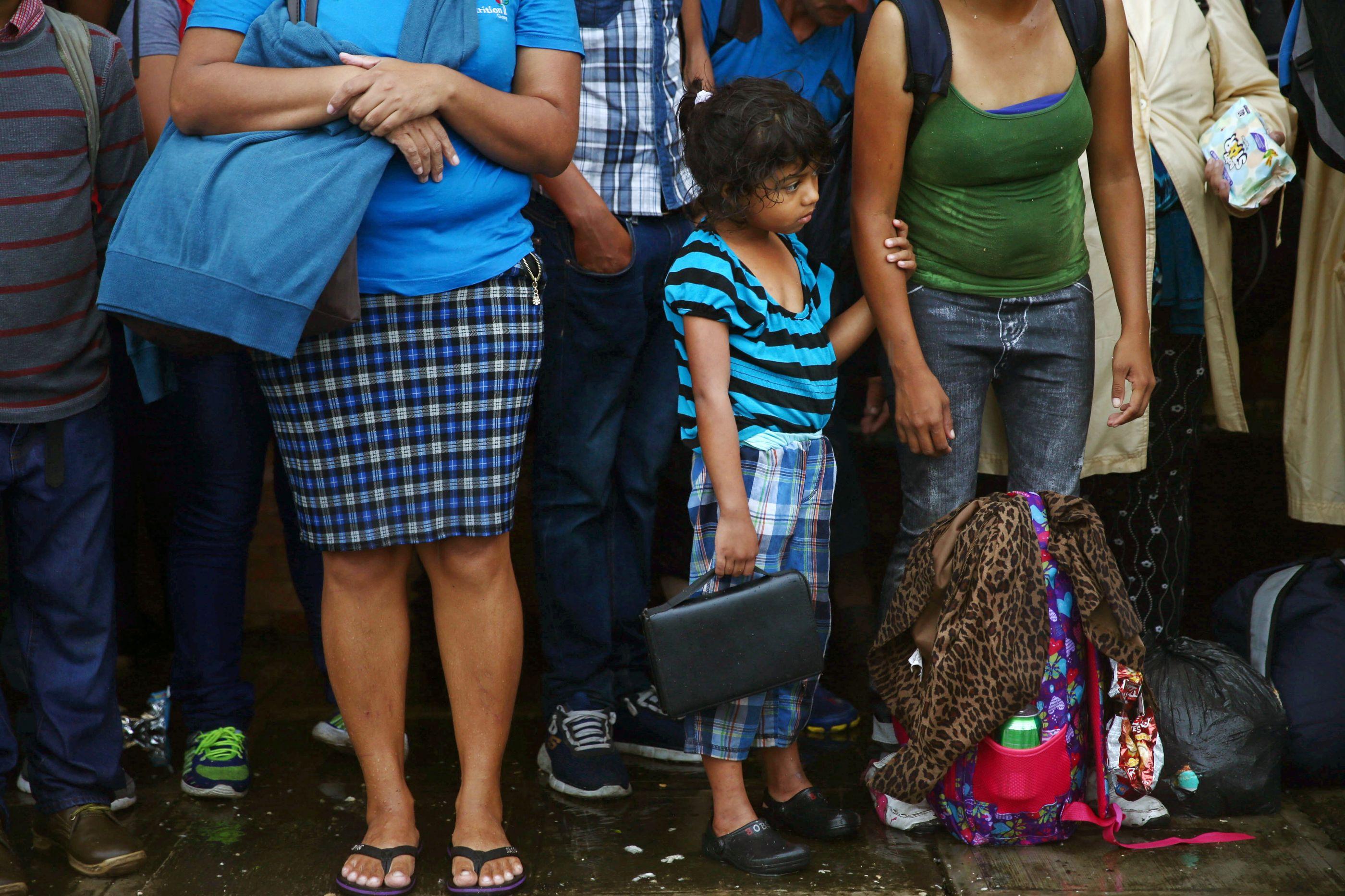 Contra as adversidades, a marcha de migrantes continua a rumar a Norte