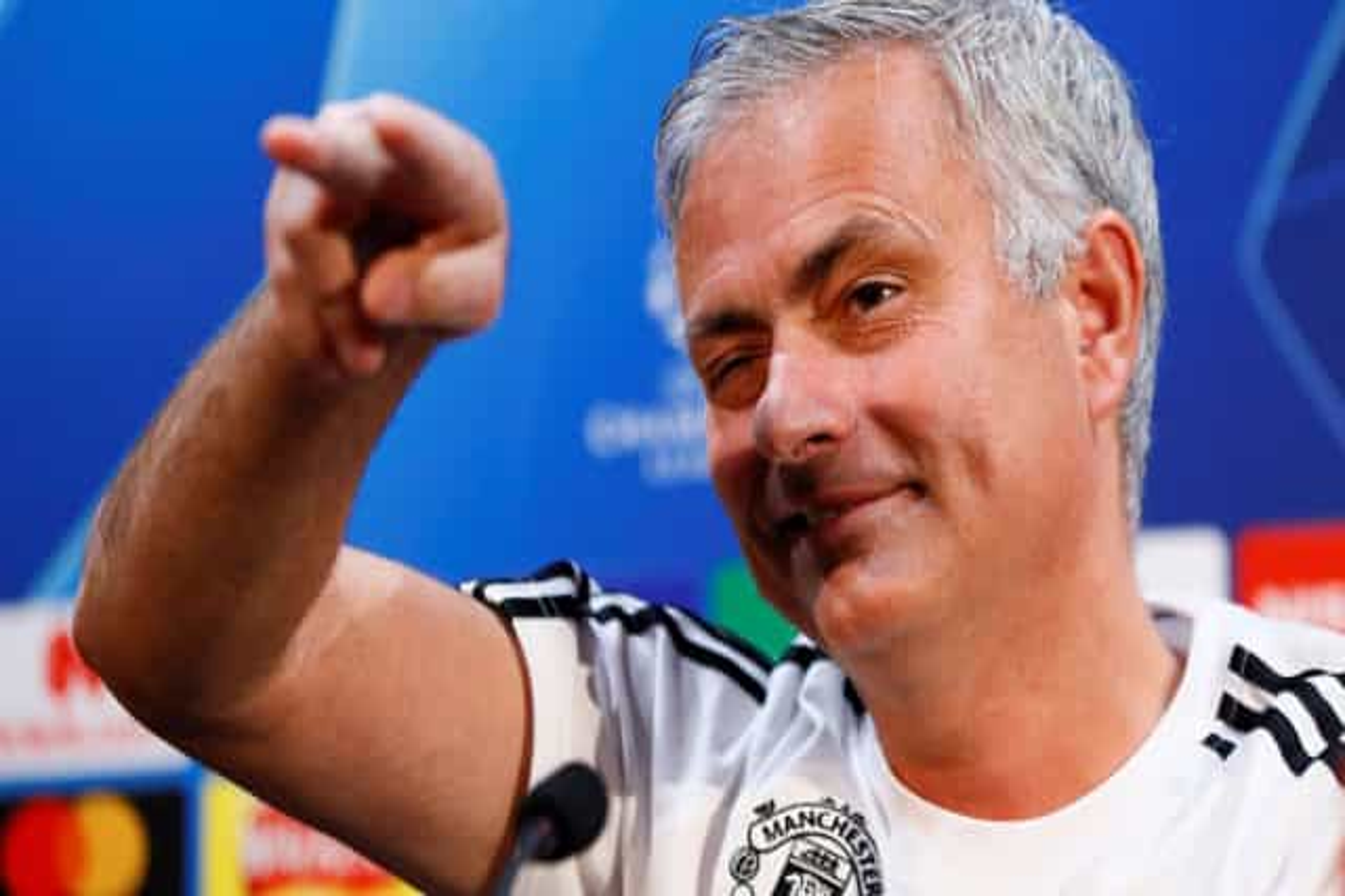 """Mourinho: """"18 meses sem ganhar um título? Há quem fique durante 18 anos"""""""