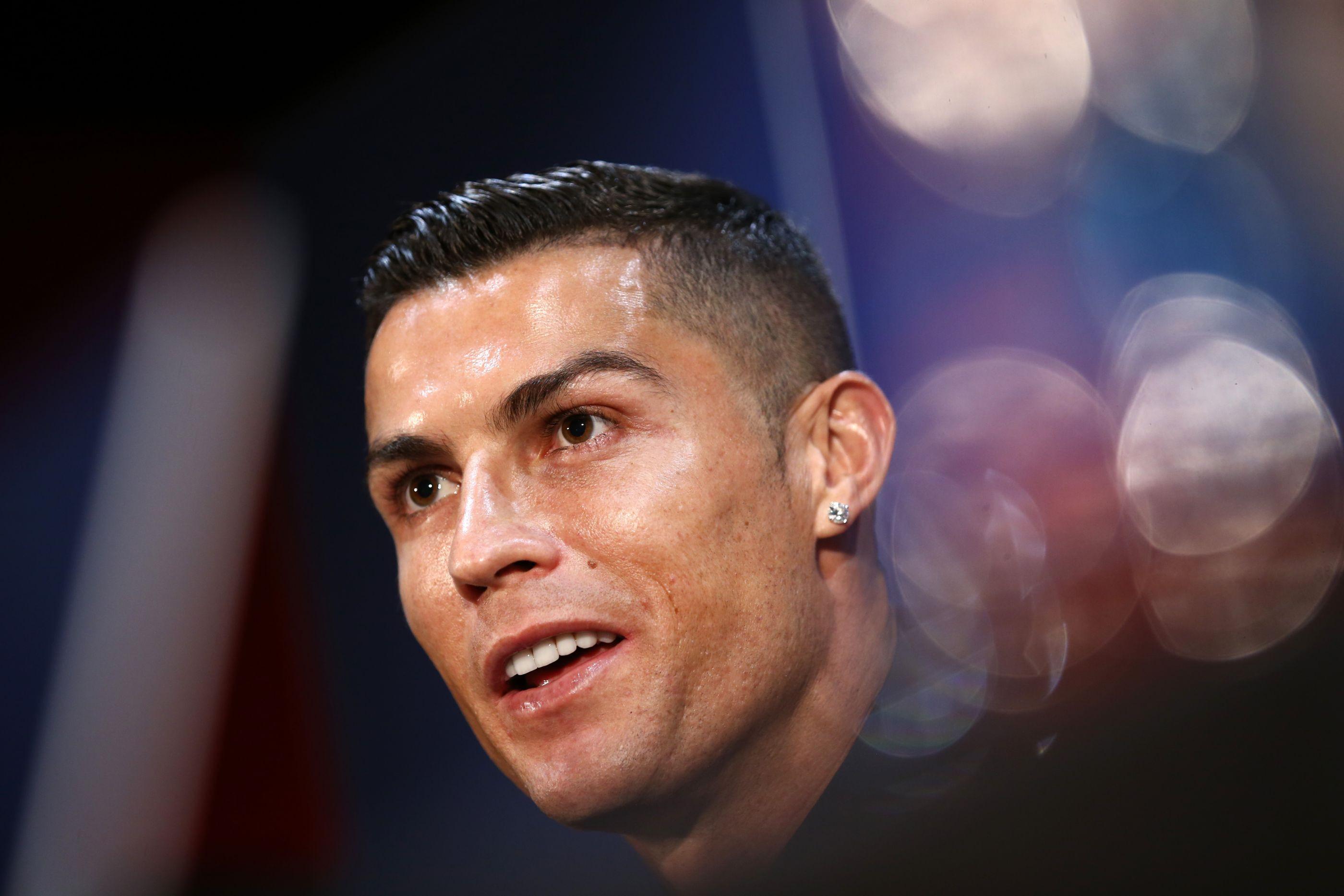 Kathryn Mayorga vista pela primeira vez após acusações contra Ronaldo