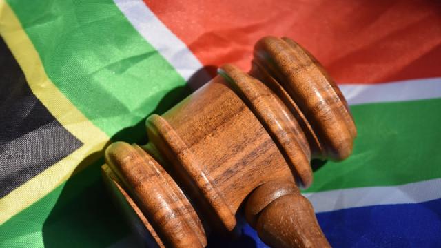 'Mamã Leoa' matou e feriu violadores da filha. Foi absolvida em tribunal