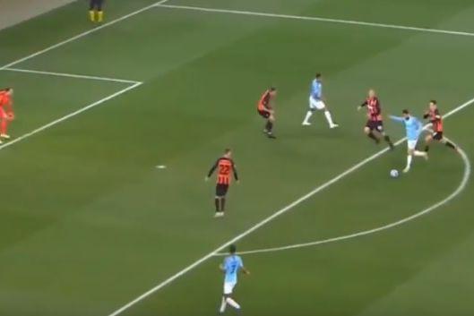 Bernardo Silva 'saltou' do banco e marcou passados dois minutos
