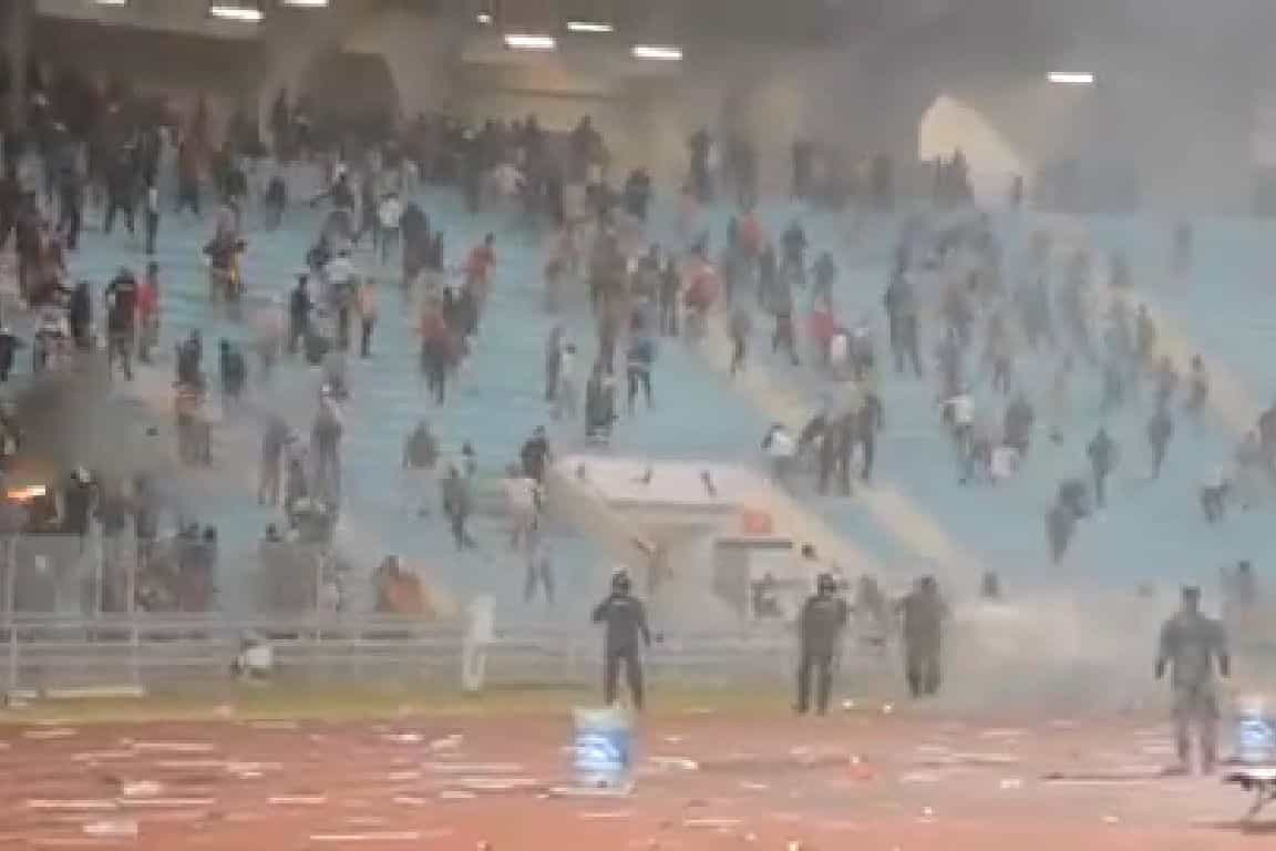 Confrontos no Tunes-1.º de Agosto resultam em 38 polícias feridos