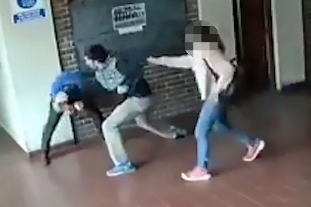 Pai descobre abusos de professor contra a filha e reage com violência