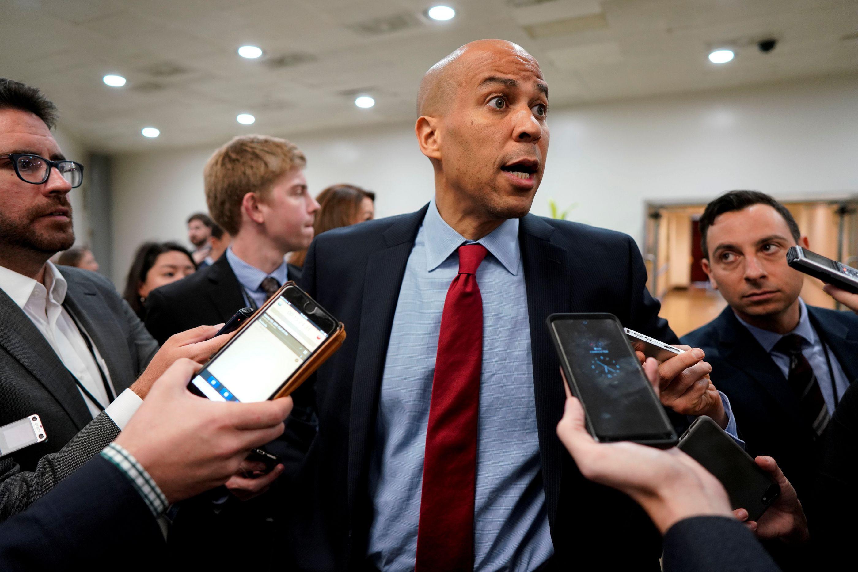 FBI revela que pacote para Senador Booker foi encontrado na Florida