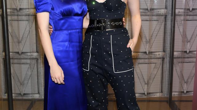 Elle e Dakota Fanning dão ajuda financeira a modelo