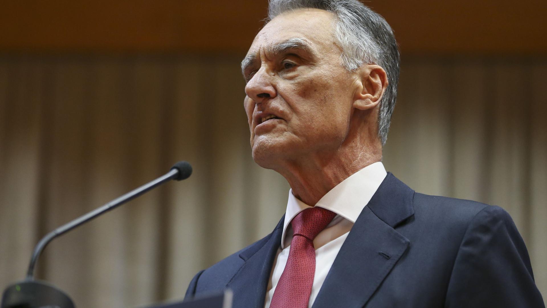 """Cavaco fala em """"democracia amordaçada"""" e aponta """"vergonha"""" com pandemia"""