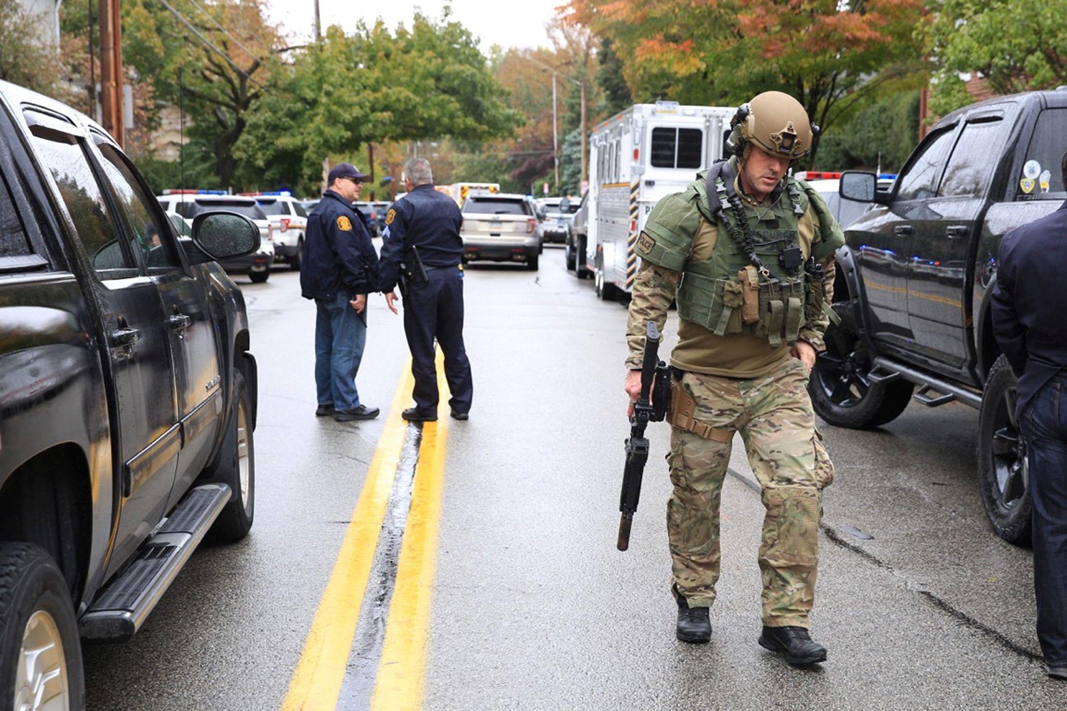 Homicida de sinagoga avisou nas redes sociais que ia entrar em ação