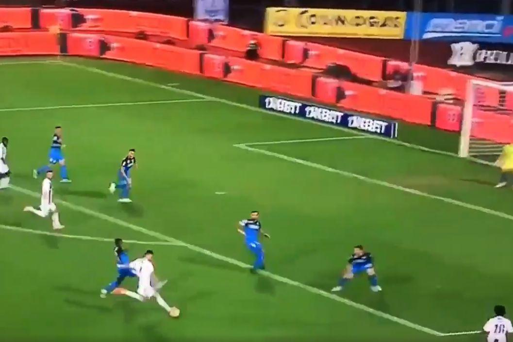 'Vai já daqui'. Golaço de Cristiano Ronaldo no Empoli-Juventus