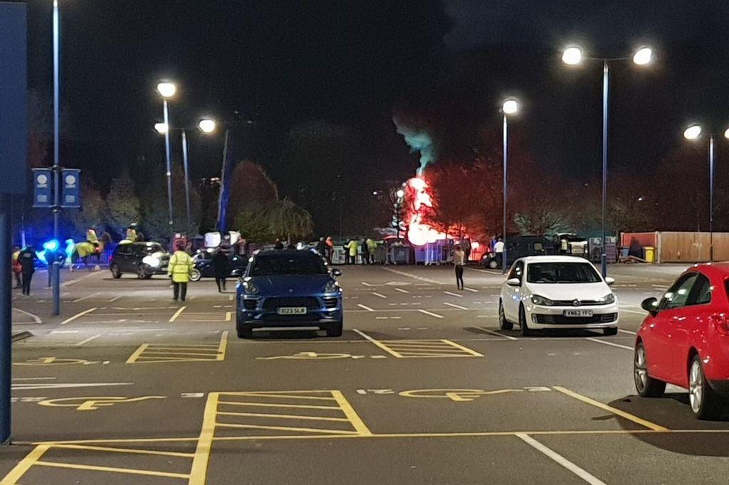 Queda de helicóptero junto ao estádio: Jogadores do Leicester já reagiram