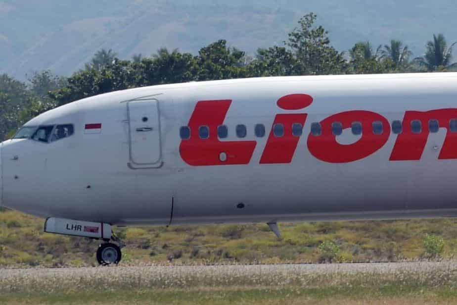 Avião indonésio com 189 pessoas a bordo caiu no Mar de Java