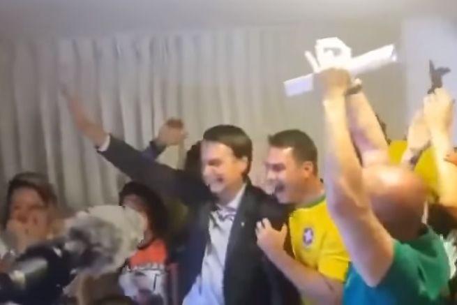 O momento em que Bolsonaro soube que era o novo presidente do Brasil