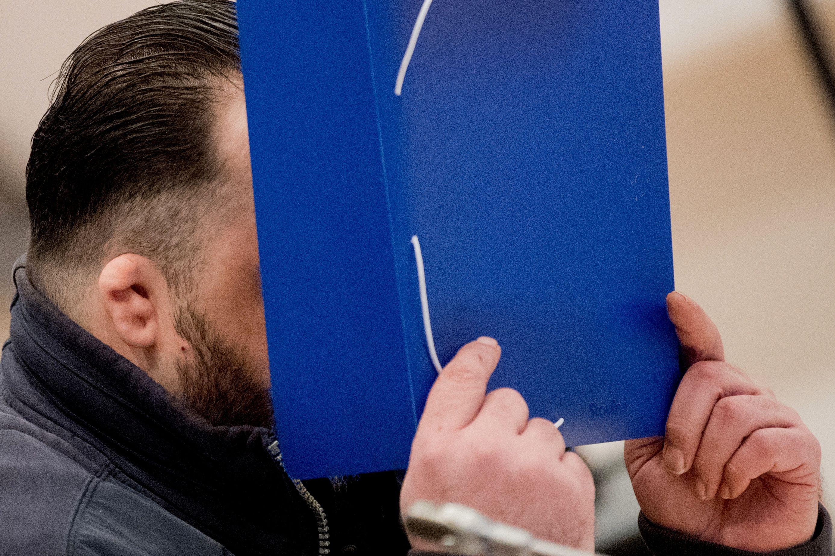 Enfermeiro alemão admite em tribunal ter matado uma centena de pacientes
