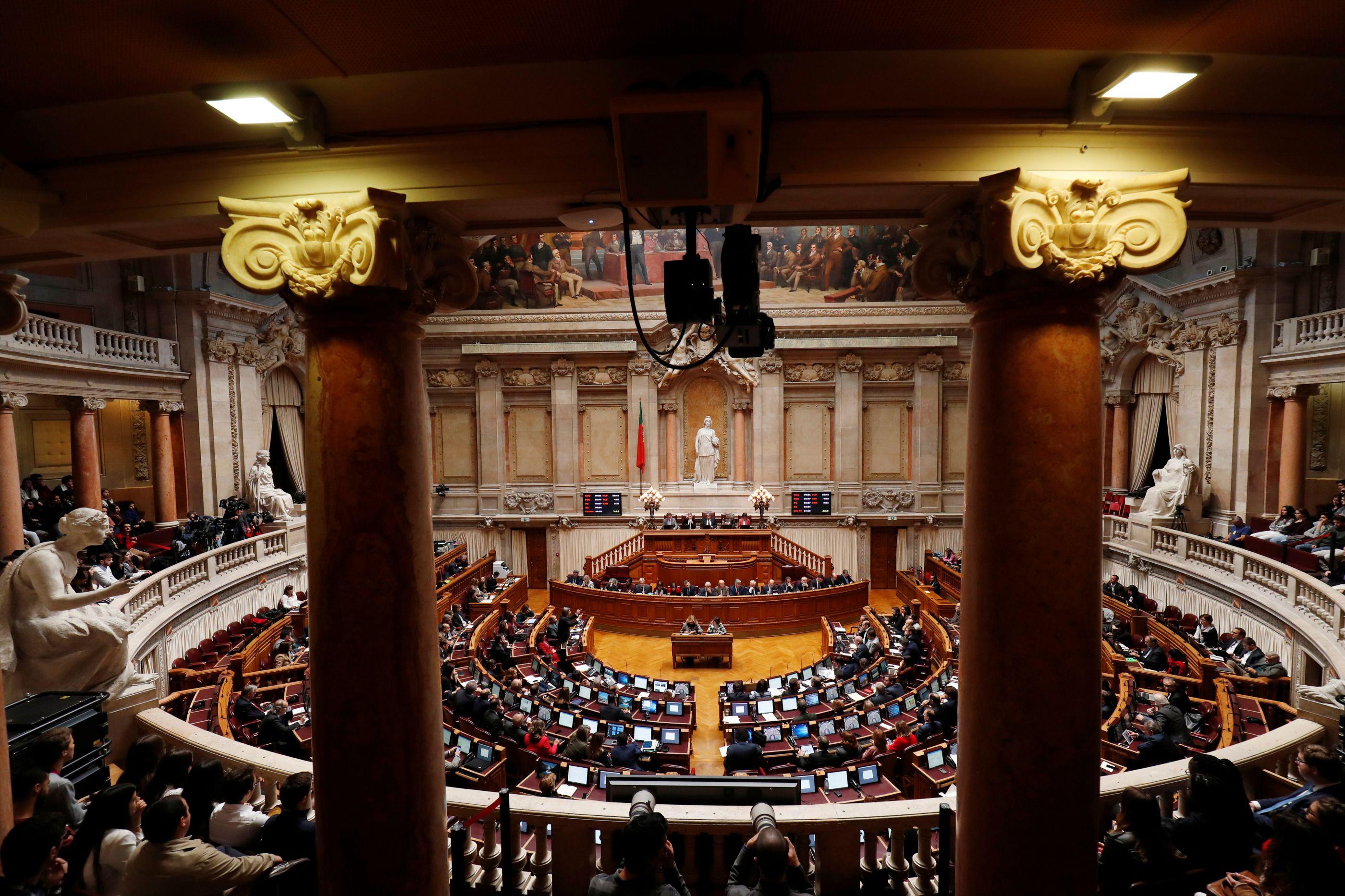 Os Verdes levam situação do Novo Banco ao debate quinzenal