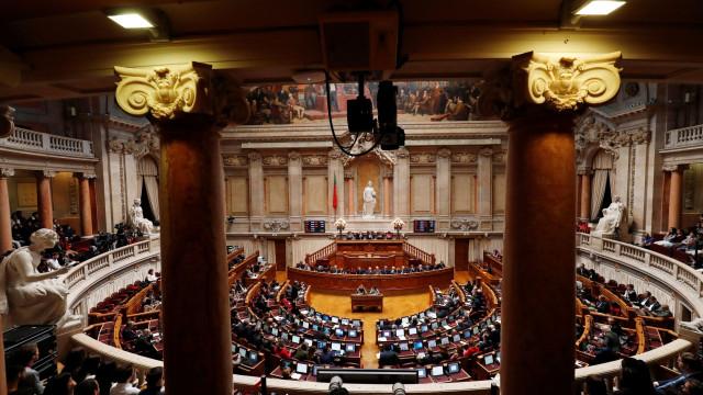Parlamento chama CP, EMEF e Governo a partir do fim do mês