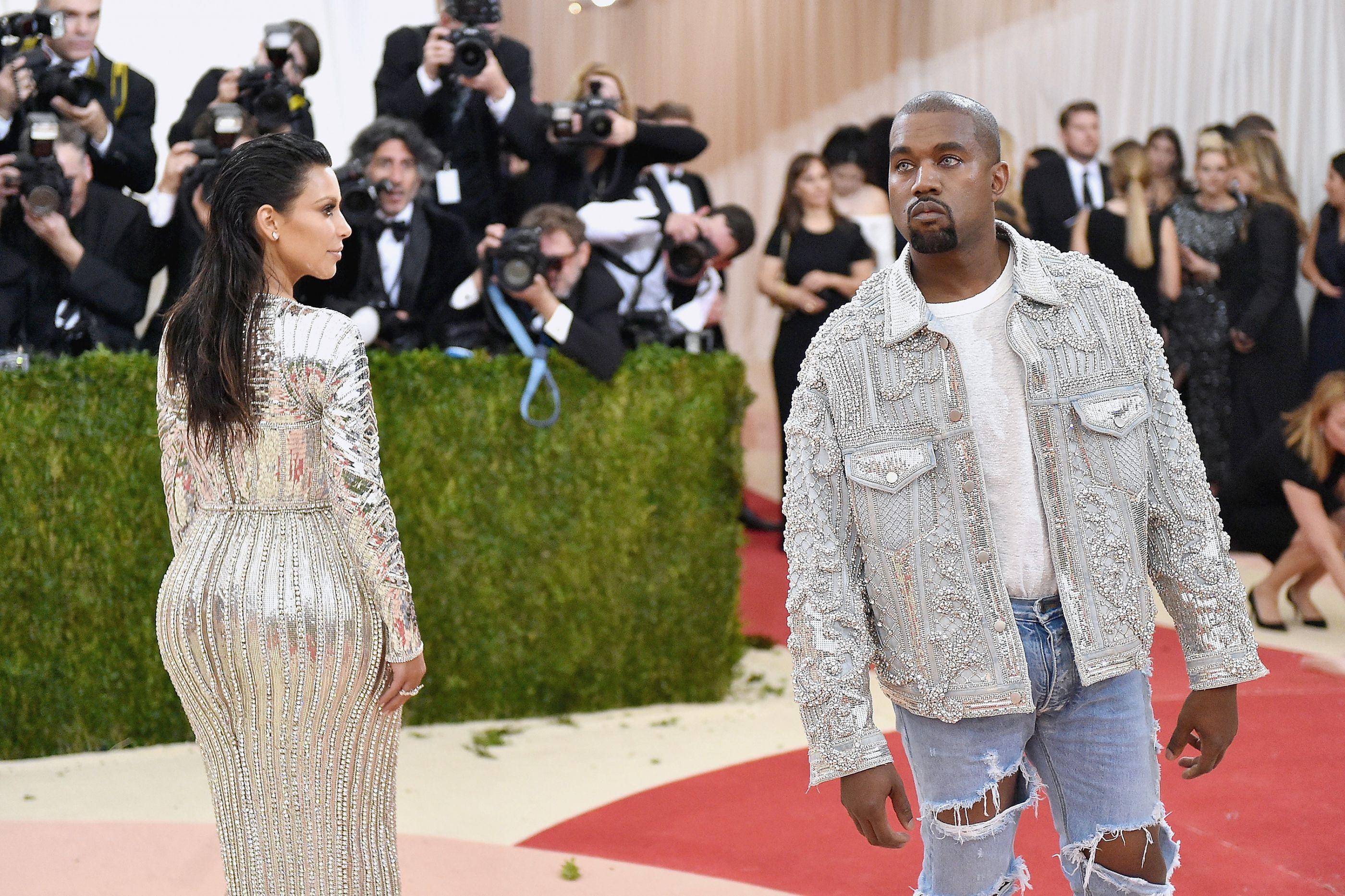 Kim Kardashian e Kanye West criticados após viagem em avião de luxo