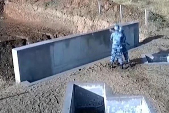 Cadete da Força Aérea falha pontaria e provoca 'susto de morte'