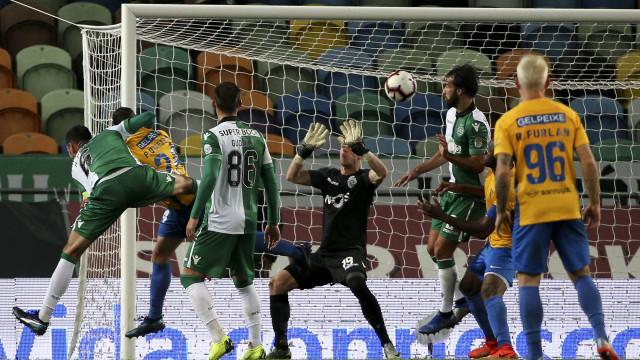 Balde de água fria em Alvalade. 'Remontada' do Estoril derrota Sporting