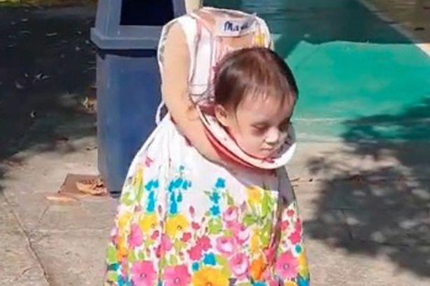 Menina de dois anos faz furor com assustadora fantasia de Halloween