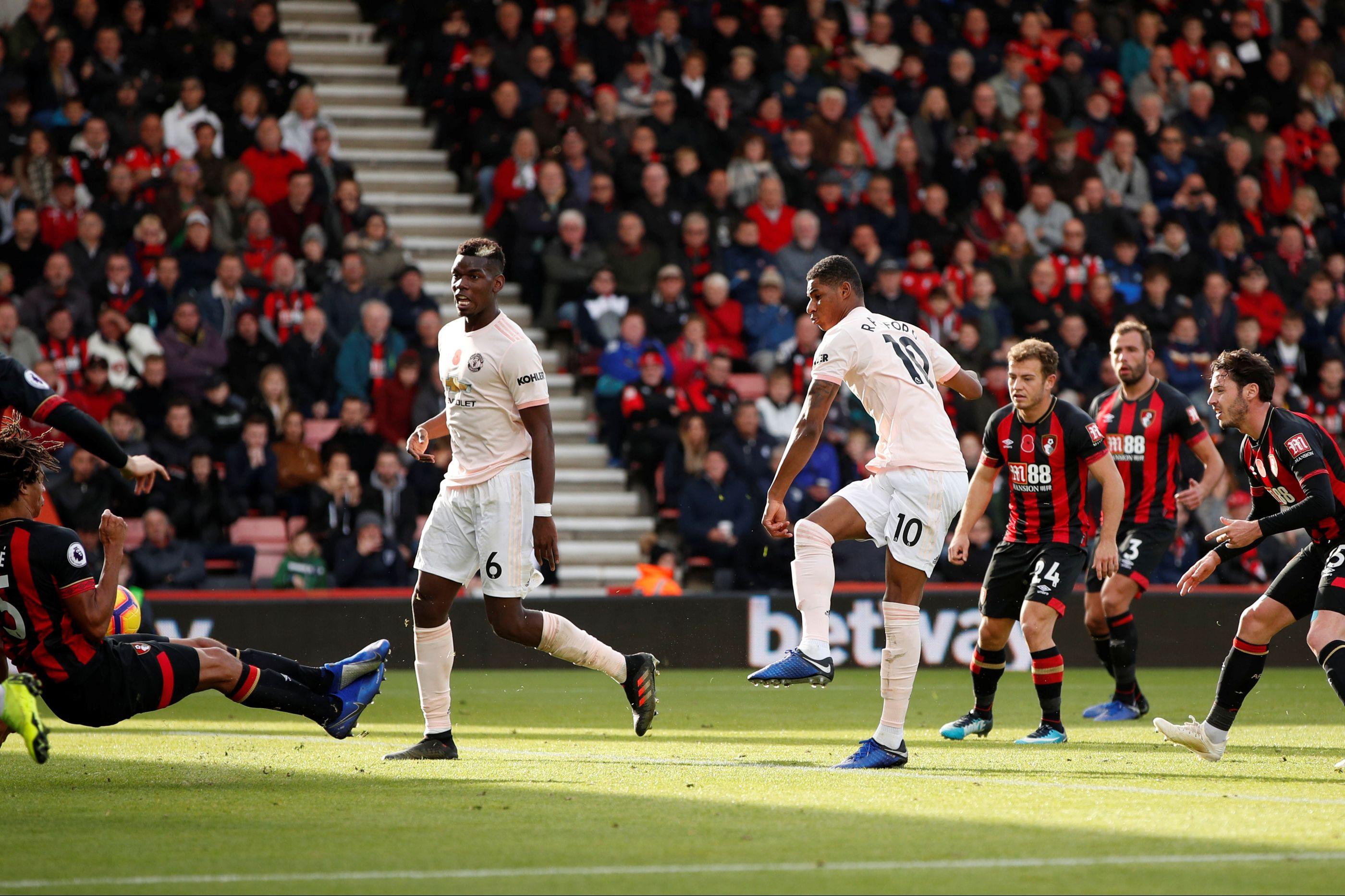 Rashford 'salta' do banco e salva Mourinho no último suspiro