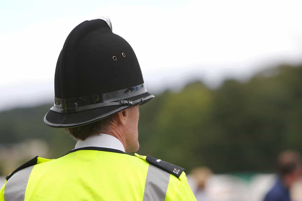 Polícia britânica acusa adolescente do homicídio de português em Londres