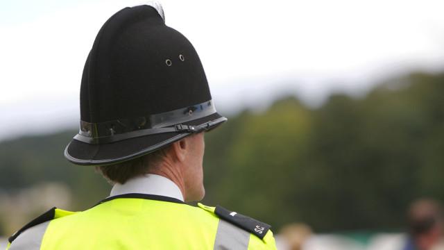 Menino de 10 anos encontrado morto e rapariga em estado grave