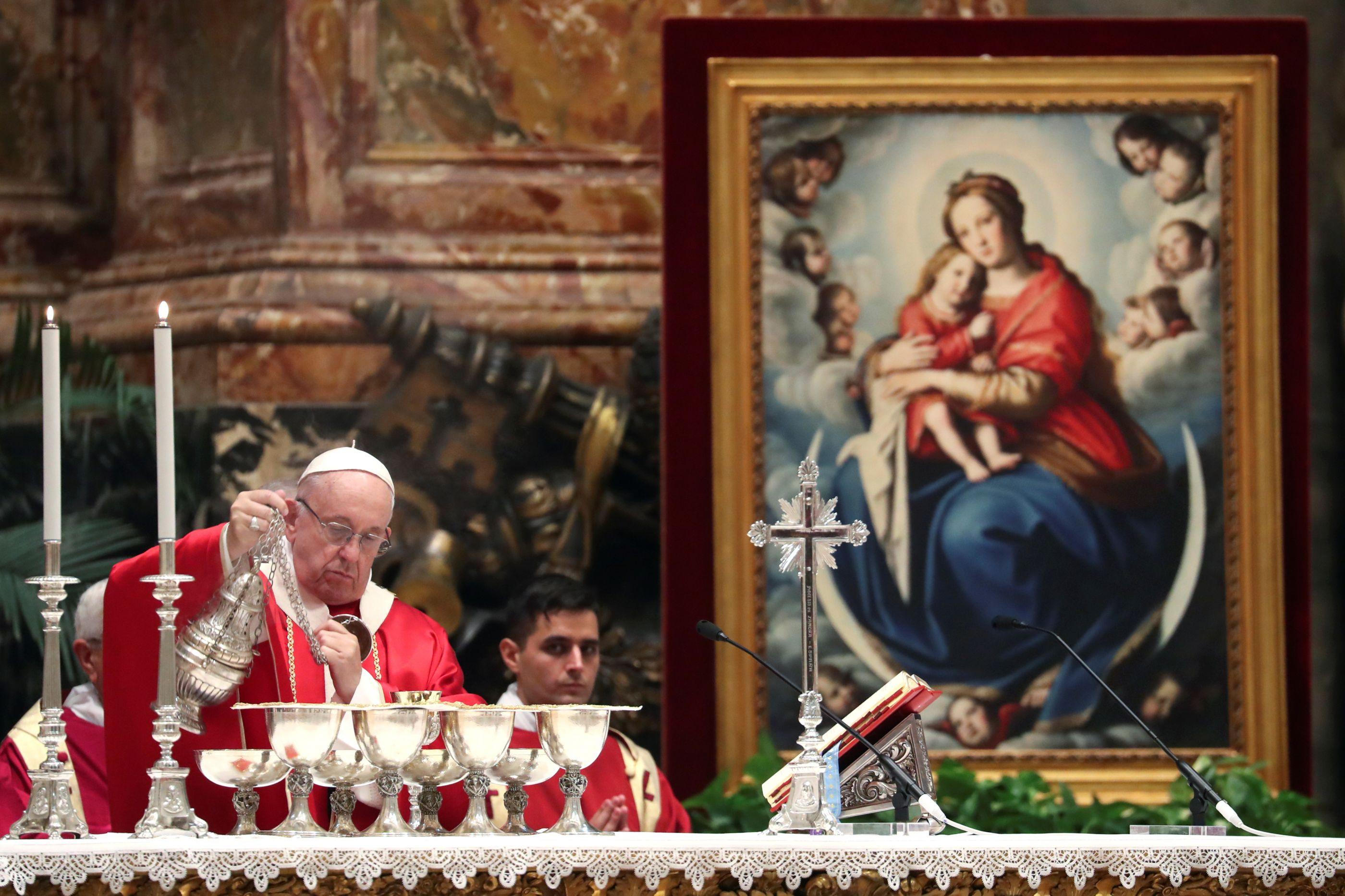 """""""Rezo pelas vítimas, peregrinos mortos apenas por serem cristãos"""""""