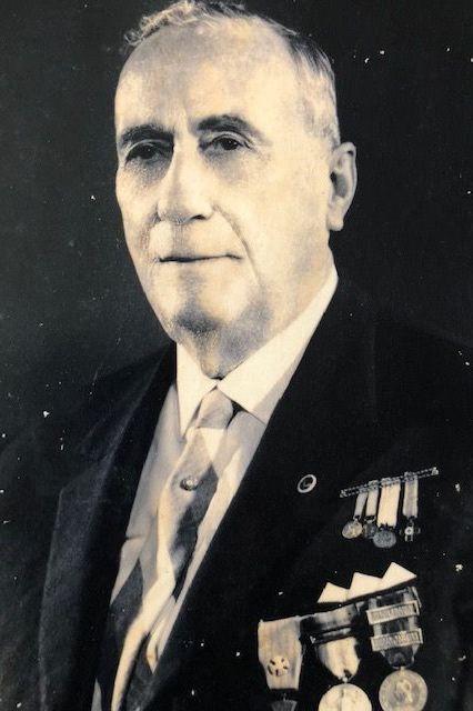 """Carlos César lembra avô, """"o açoriano mais medalhado na I Grande Guerra"""""""