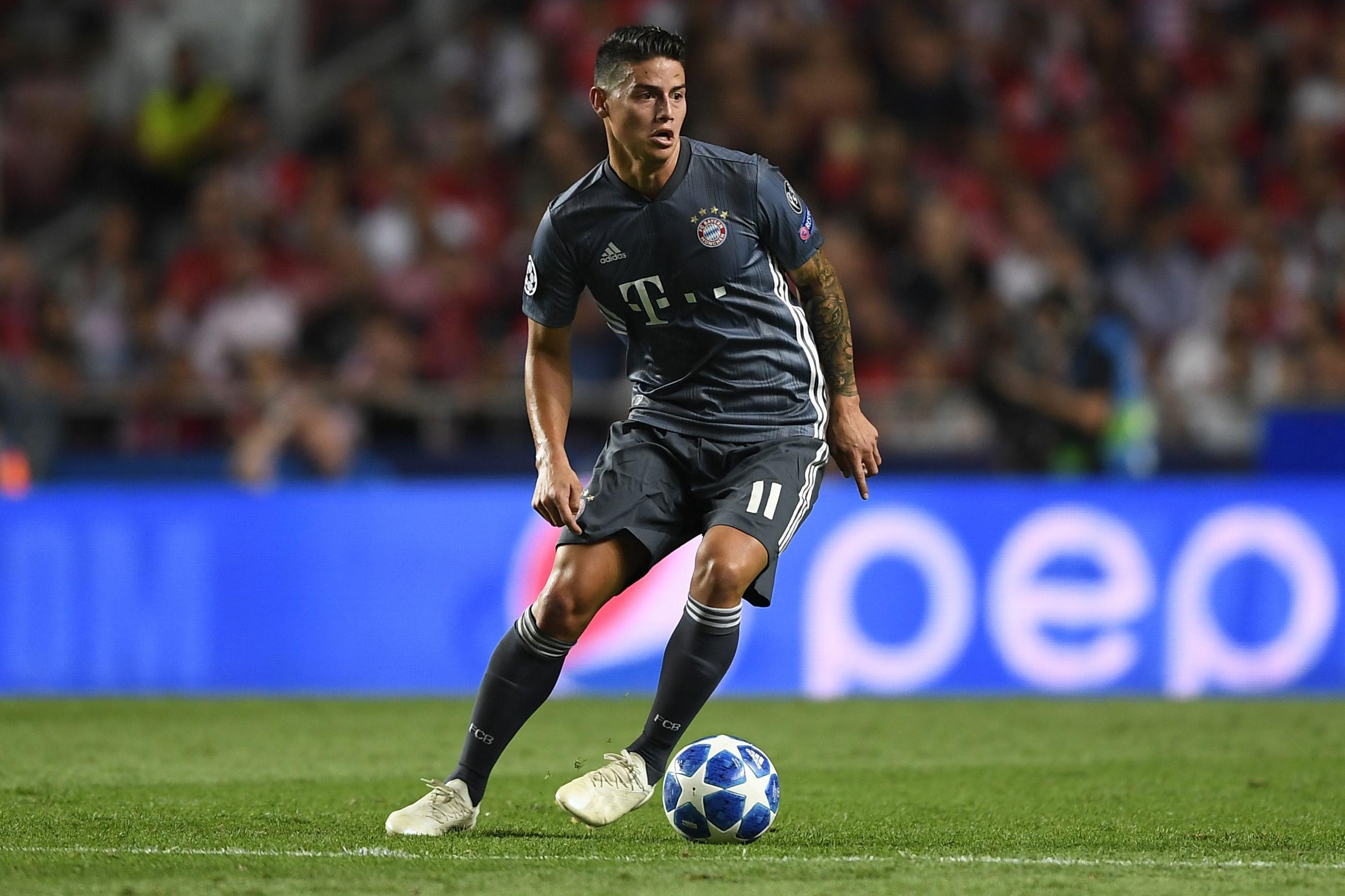 Arsenal pensa em James Rodríguez para o lugar de Ozil
