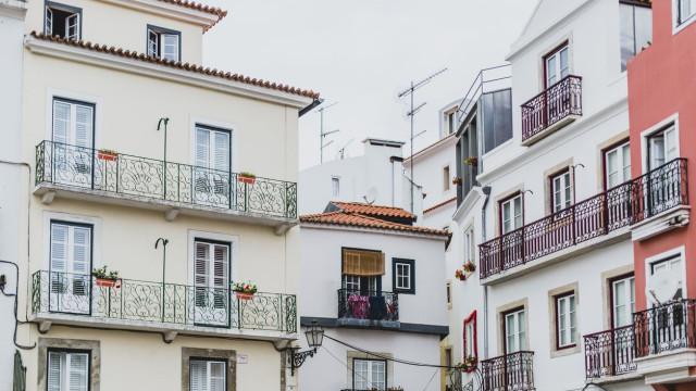 Comissões pagas às plataformas como Airbnb também abatem ao IRS