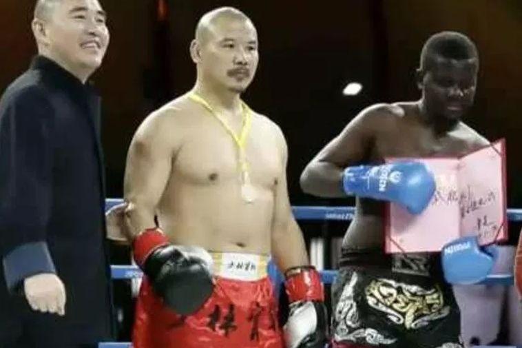 O combate de boxe com um campeão africano, que afinal era só um estudante