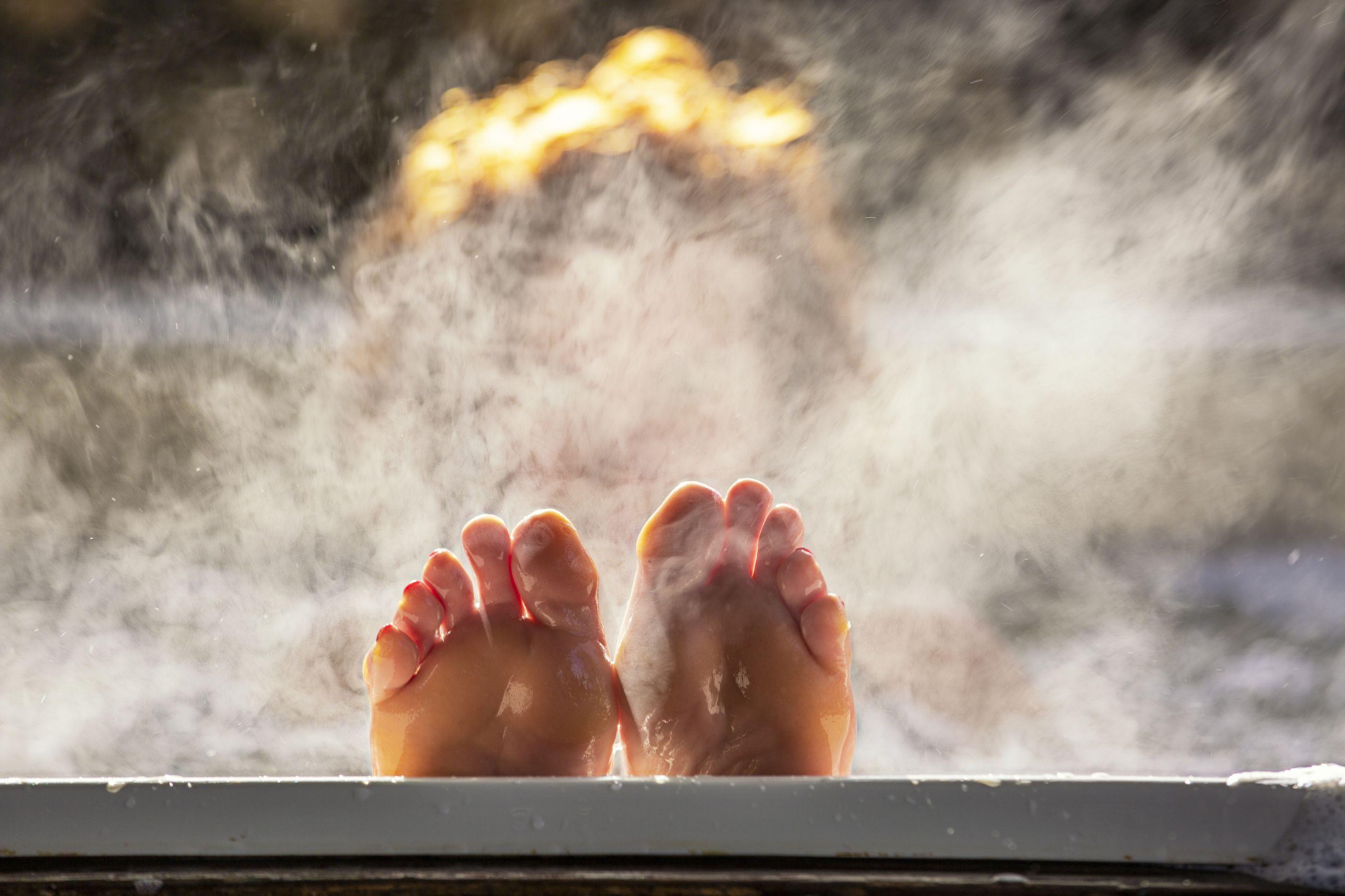 Entenda a relação entre o banho quente e o combate à depressão