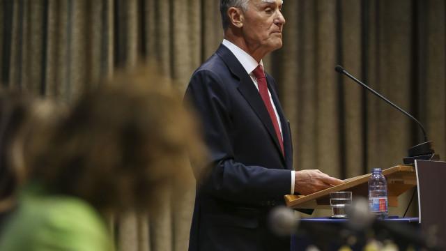 """Cavaco tentou """"reduzir os riscos"""" da solução inédita de governação"""