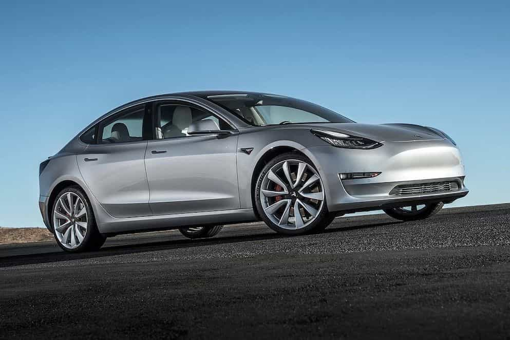 Tesla Model 3 distinguido pelos leitores do Consumer Reports
