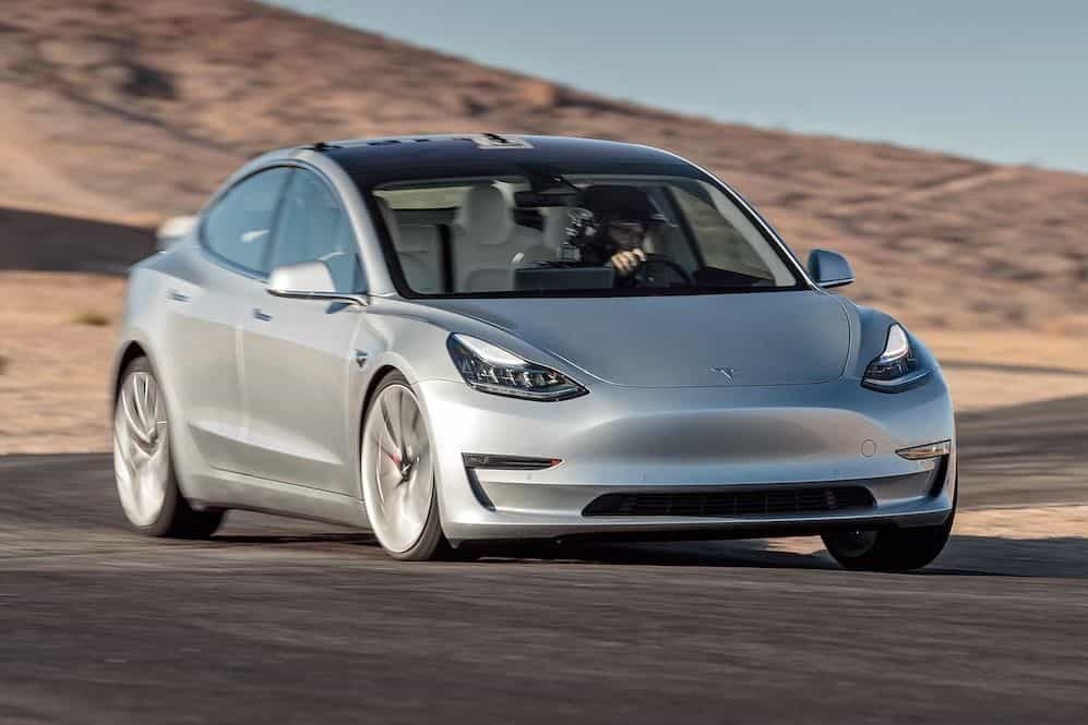 Elon Musk revela objetivo da câmara misteriosa do Model 3