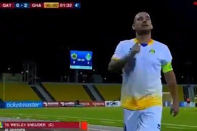 Sneijder é expulso, diz que não joga mais no Qatar mas arrepende-se